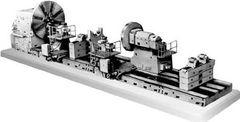 Тяжёлый токарный станок 1А680
